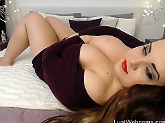 Busty babe repartee on webcam