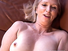 Super sexy older lady plays with her juicy pussy of you
