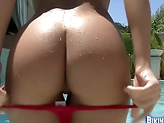 Round booty show by get under one's pool