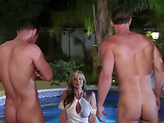 Busty cougar Julia Ann not shy near flirt with four handsome pool men