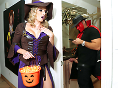 Halloweeny - Naked Cory Chase In the porn instalment