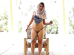 AdultMemberZone - Chubby Arab girl gives herself a mind-blowing orgasm