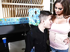 Horny and busty mom Cathy Heaven fuck Jordi El Niño