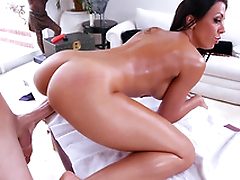 Masseur with big XXX tool fucks Rachel Starr's twat from behind