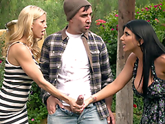 Friends Alexis Fawx and Romi Rain catch make an issue of objurgation with hard XXX leek