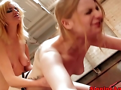 Phoenix Askani loves pleasing pussy